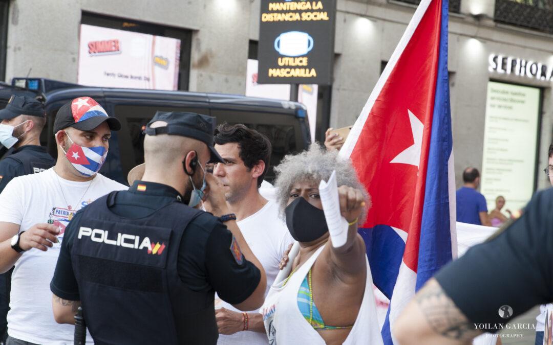 Desde Acciones por la Democracia denunciamos el acoso constante que recibimos los cubanos libres en España desde el Gobierno socio-comunista de Pedro Sánchez.